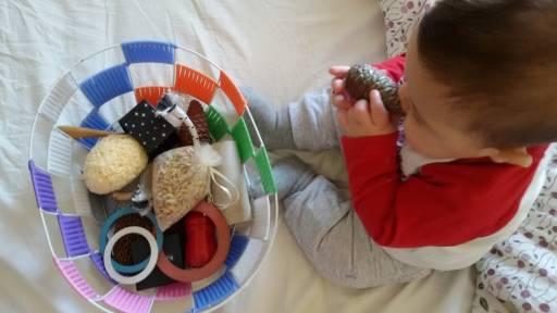 Cinque giochi educativi per stimolare i bimbi secondo il metodo Montessori