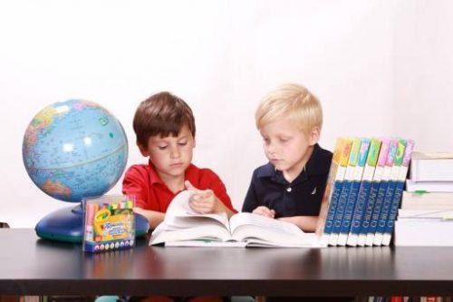 Quali sono i consigli per insegnare ai bimbi a mettere ordine in casa?