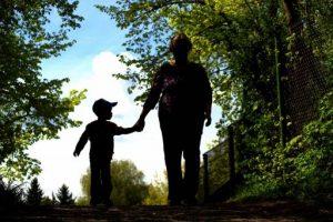 Ci si può pentire di essere madri anche senza sentirsi in colpa?