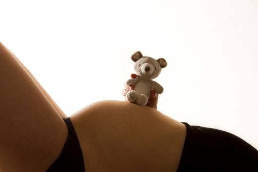 Nel nostro Paese si tende a diventare madri per la prima volta in età avanzata: ecco i motivi di tale scelta.