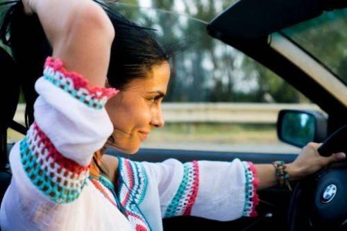 Quali sono gli accorgimenti da adottare al volante in gravidanza?