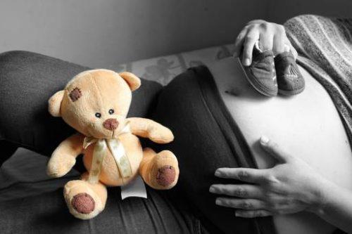 Quali sono i rimedi per affrontare l'insonnia durante la gravidanza?